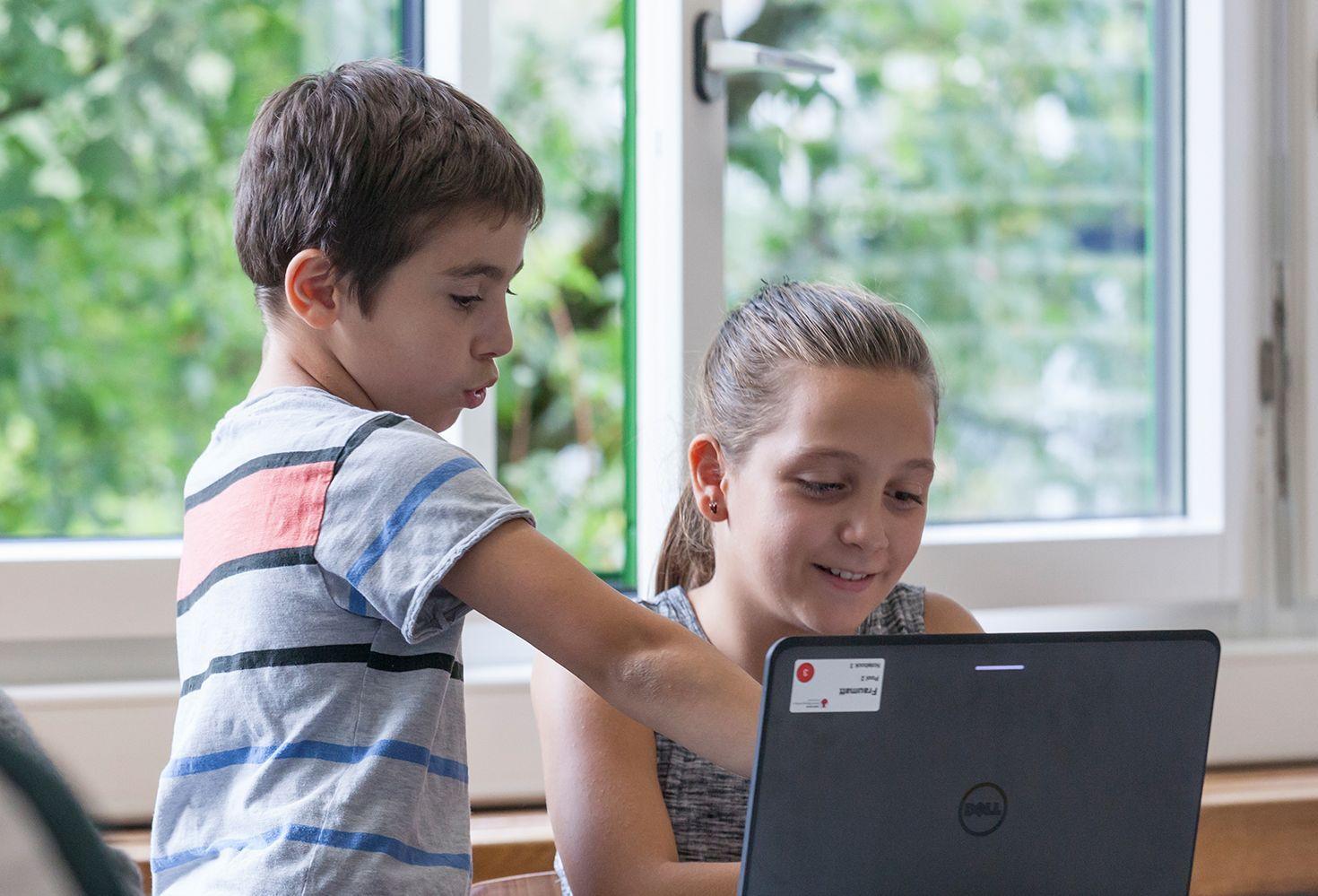 Der Klassenunterricht umfasst 20 Lektionen, die in der Regel auf 10 Wochen je 2 Lektionen verteilt werden.